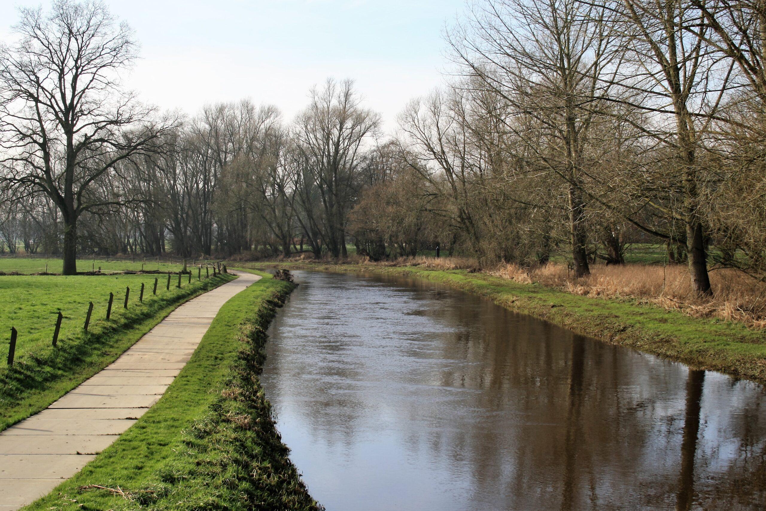 Mooie fietsroute`s Vooral als rivier de Dinkel overstroomt is. Wat zeker niet een ieder goed is,is het toch bijzonder indrukwekkend om te zien.